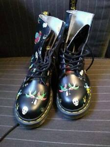 DR MARTENS PASCAL TATTOO BOOTS IN BLACK MEN SIZE 4 WOMEN SIZE 5