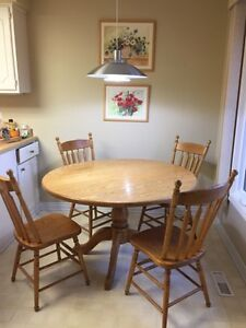 Oak Kitchen Dining Table with 4 Oak Chairs