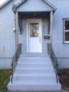 2 Bed Unique House, Reduced SD, Pets Welcomed, Available Nov 1