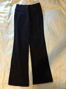 Size 6 Regular Like New lululemon black Groove Pants! BoogieDown
