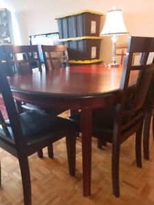 Moving sale ! Dinning table for sale ! Table ONLY !