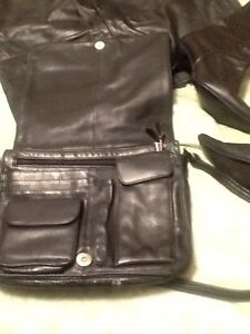 Genuine leather:long winter coat, wallet, boots(7),bag,watches Kitchener / Waterloo Kitchener Area image 7