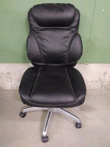 2 matching leather office chairs