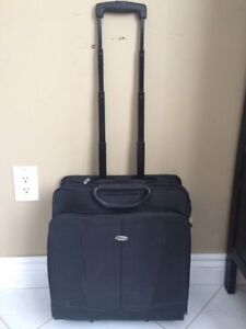 "Targus briefcase / travel luggage with wheels 15"" laptop $40"