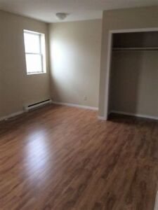 Charming bachelor $645 utilities included! May 1st