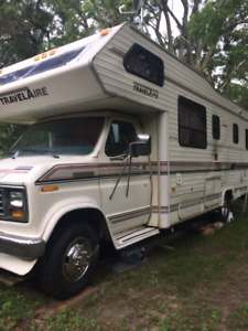 28ft 1990 ford travelaire