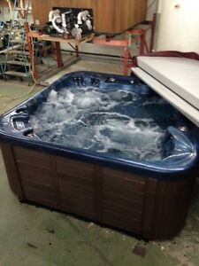 USED HOT TUB PARKING LOT SALE @ HOTTUBWHOLESALE