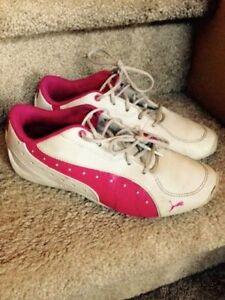 Puma sneaker size 3 1/2