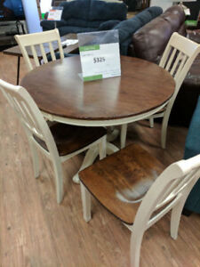 ASHLEY WHITESBURG 5 PC ROUND DINETTE AS IS 325 TAX