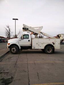 Ford F-650 bucket truck