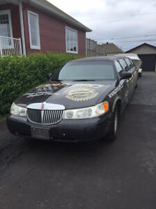 Lincoln Town Car 2001 LIMOUSINE !!!! 8 Passagers !