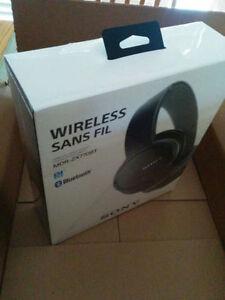 Bluetooth Headphones SONY MDR- ZX770BT BNIB NEW SEALED BOX   Pl