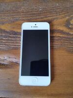 iPhone 5 white 16 GB for parts