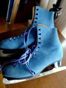 BLUE SUEDE ICE SKATES & CCM CARRY BAG Mens 9 Womens 10
