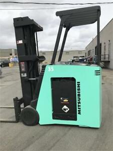 2009 MITSUBISHI FORKLIFT STAND UP DOCK STACKER 3000LB CAP.WITH 1