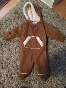 gap snowsuit - 6 mois
