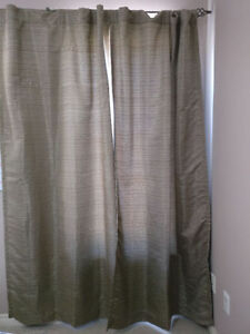 Beautiful 2 Panel Curtain Set