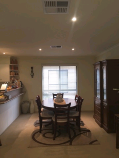 Room  in large townhouse in Hamilton