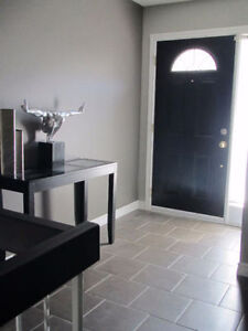 ROOMS 4 RENT in GORGEOUS MODERN OPEN CONCEPT RENOVATED LUX CONDO London Ontario image 10
