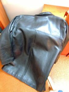 Mens, Black leather Danier jacket London Ontario image 3