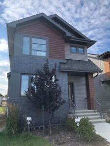 Home for Sale in Spruce Grove,  (3bd 2ba/1hba)