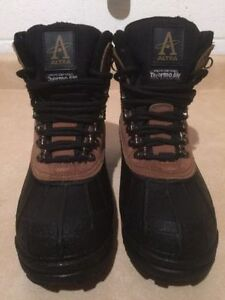 Men's Altra Winter Boots Size 7 London Ontario image 3