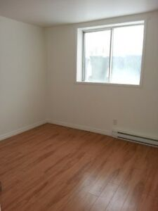 4½ PIERREFONDS, Disponible immédiatement, 1er plancher
