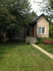 Great location!One bedroom+den basement suite in Shaganappi SW!