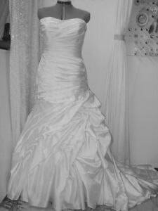 ALTERING HIGH-END WEDDING DRESSES By KIM 46 ST SE 403-969-4422
