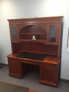 STURDY AND BIG HUTCH IN GOOD CONDITION-PRICE REDUCED