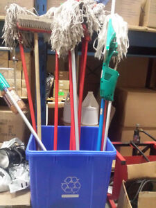 CLEANING TOOLS  OUTILS MENAGER