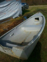 10ft wooden/fiber glass boat  400$ or so