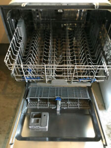 Gold Series Whirlpool Dishwasher Stainless Tub, 1 year new