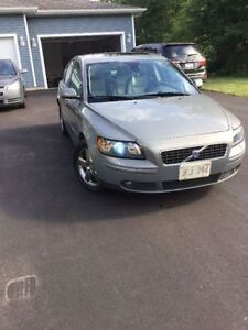 2005 Volvo S40 Sedan Reduced