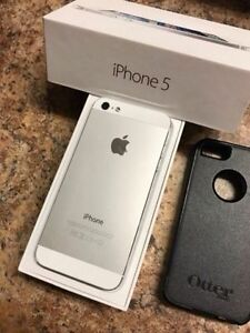 WHITE Apple iPhone 5 16 GB w/ OTTERBOX - BELL/VIRGIN