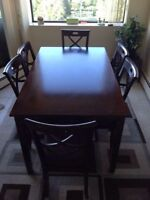 Dining Room table 6 chairs Paid $850 3 yr ago $300 cash & carry