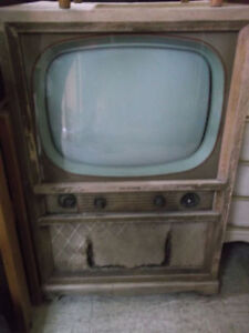 Antique TV Ancien