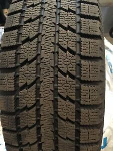 TOYO Observe GSi5 BW 205/70R15 Winter Tires - Like New