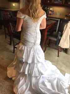 Brand new size 12 and 14 wedding gowns  Kitchener / Waterloo Kitchener Area image 1