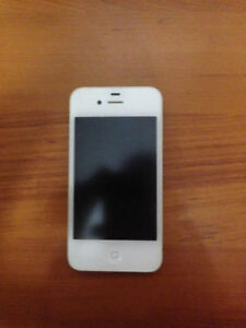 IPhone 4 MINT CONDITION - UNLOCKED (white)
