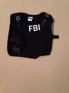 FBI COSTUME SIZE 4T