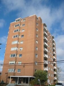 2 bedroom apartment /  East Hamilton