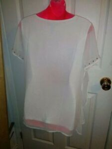 CLEANING MY CLOSET - BRAND NEW WHITE BEADED BLOUSE SZ M/L Kitchener / Waterloo Kitchener Area image 6