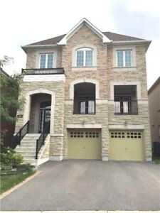 Magnificent Bright & Spacious 5 Bdrm Home!!