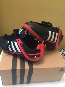 Adidas Soccer shoes (cleats)! Youth 12 size. Regina Regina Area image 1