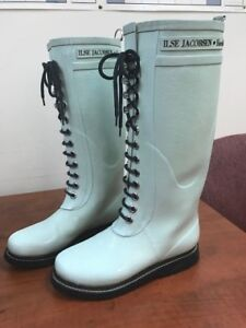 Isle Jacobsen ladies rain boots, size 7, light blue.