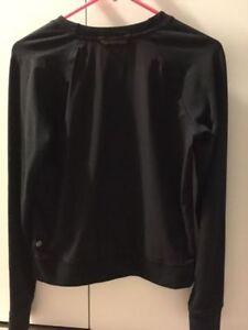 *NEW PRICE* Lulu Sweater for Sale Oakville / Halton Region Toronto (GTA) image 2