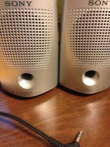 Sony SRS-P7 Speakers! Mint condition. No power cord needed!!!