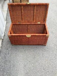 Wicker treasure box in good condition London Ontario image 5