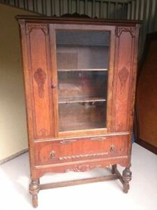 Gorgeous Antique/Vintage 1940's Display Cabinet